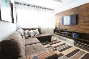 Przewaga drewnianej podłogi nad panelami